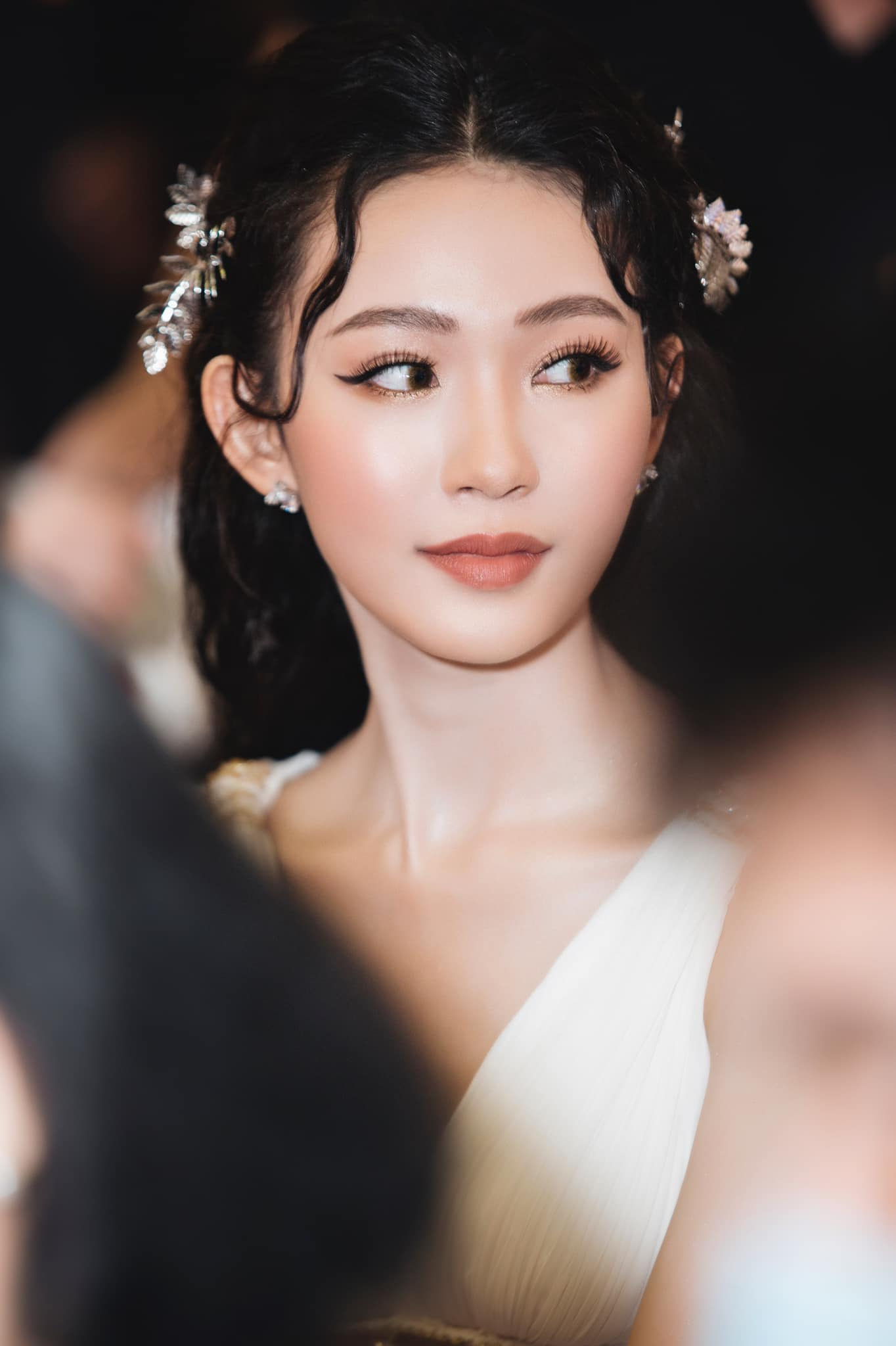 Người đẹp Cẩm Đan kiêu kỳ, Minh Anh xinh đẹp tựa nữ thần ảnh 10