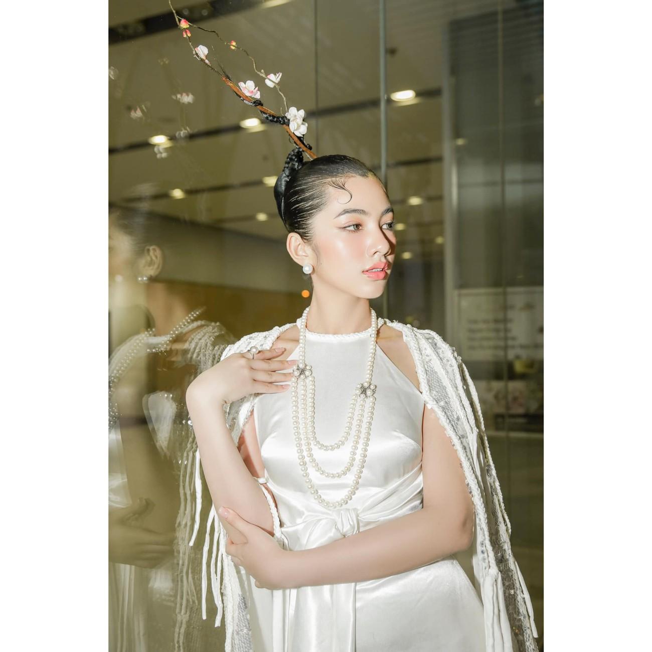 Người đẹp Cẩm Đan diện áo yếm gợi cảm kiêu kỳ ảnh 6