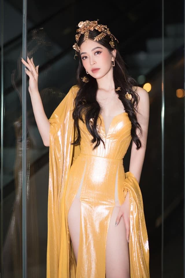 Á hậu Phương Nga diện đầm vàng hóa nữ thần kiêu sa ảnh 3