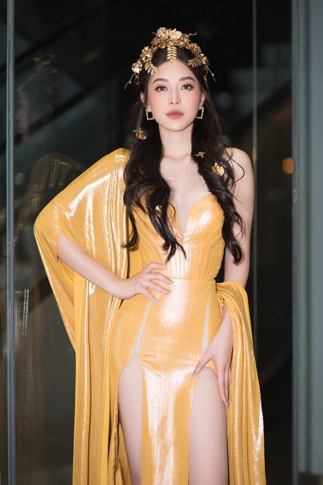 Á hậu Phương Nga diện đầm vàng hóa nữ thần kiêu sa ảnh 5