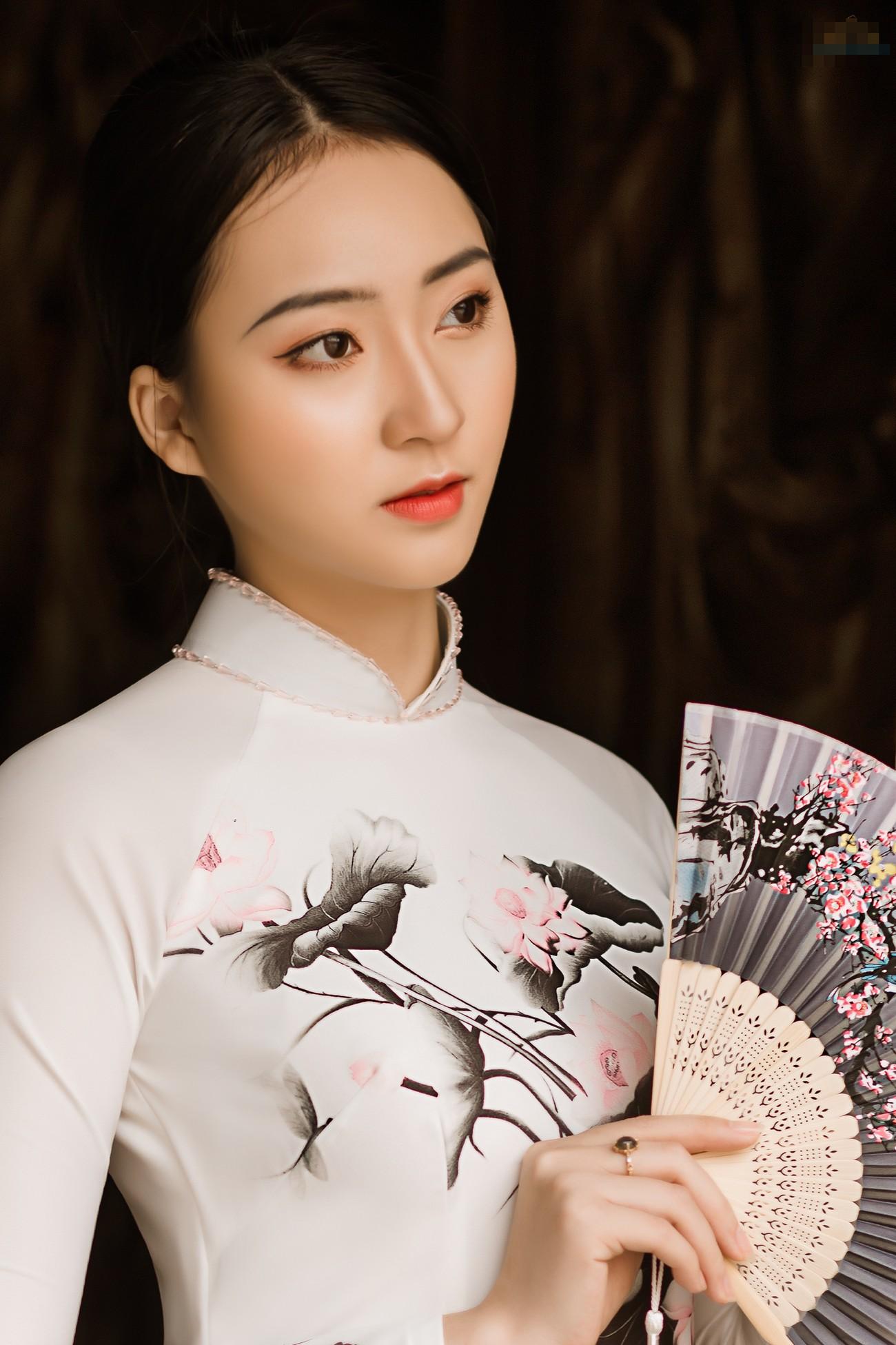 2 cô gái lọt Top 5 Người đẹp Thể thao HHVN 2020 'đọ sắc' với áo dài ảnh 2