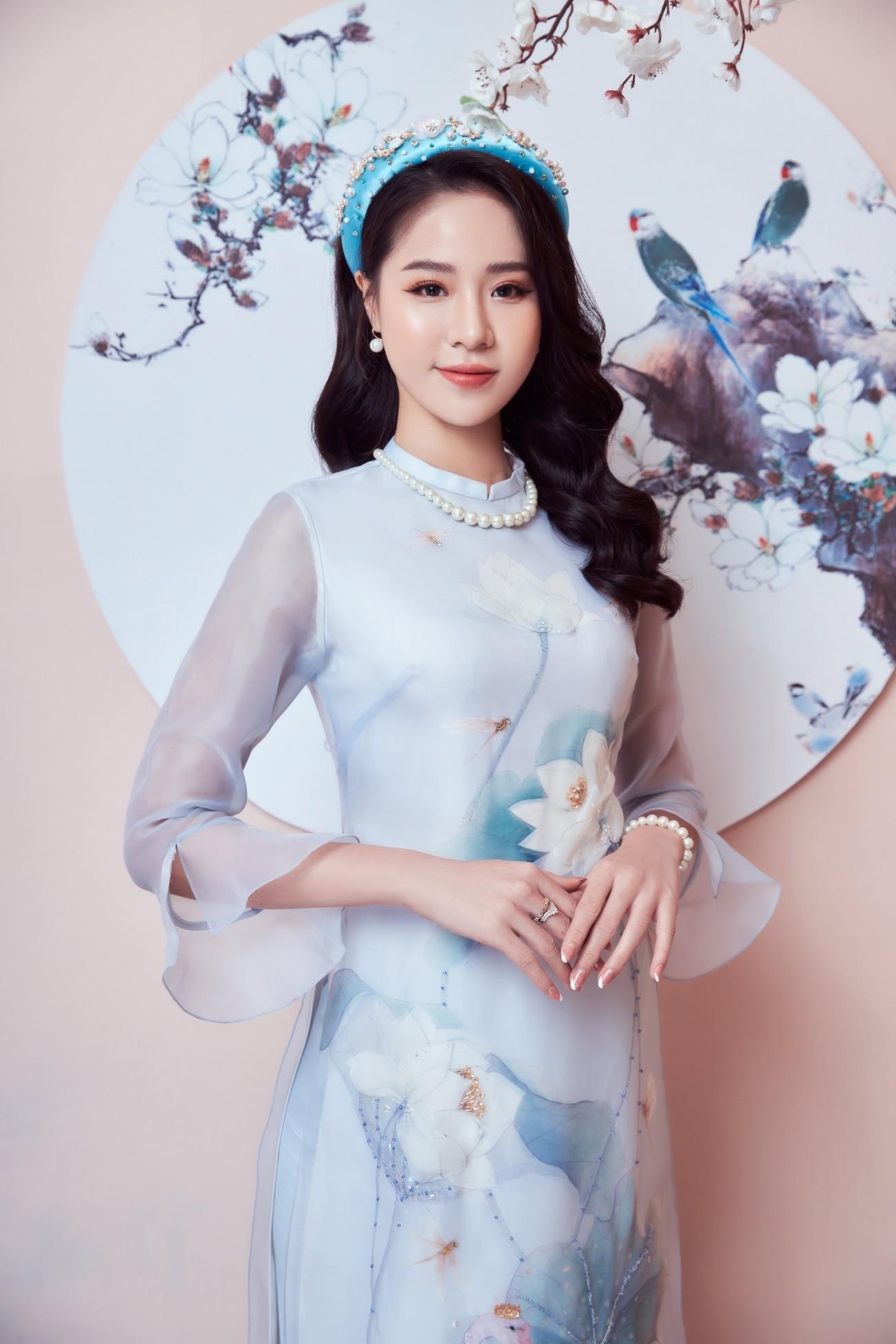 Người đẹp Biển Nguyễn Hoàng Bảo Châu đẹp 'gây mê' trong bộ ảnh áo dài đón Tết ảnh 3
