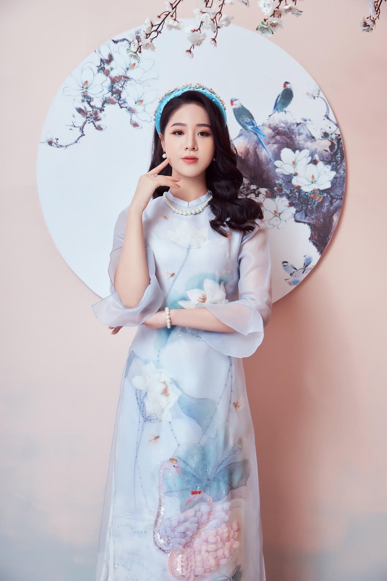 Người đẹp Biển Nguyễn Hoàng Bảo Châu đẹp 'gây mê' trong bộ ảnh áo dài đón Tết ảnh 4