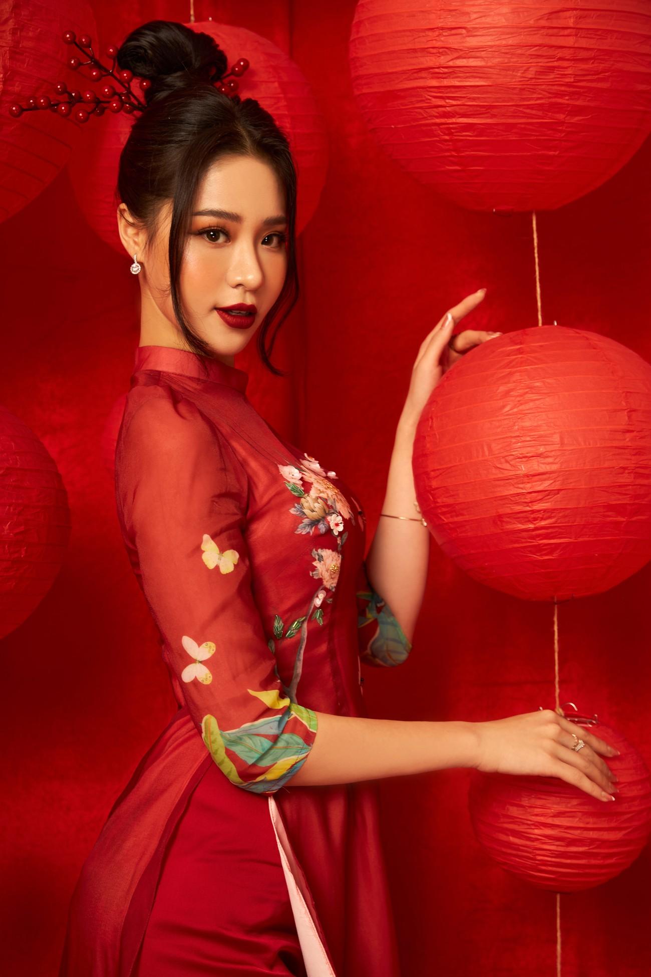 Người đẹp Biển Nguyễn Hoàng Bảo Châu đẹp 'gây mê' trong bộ ảnh áo dài đón Tết ảnh 10