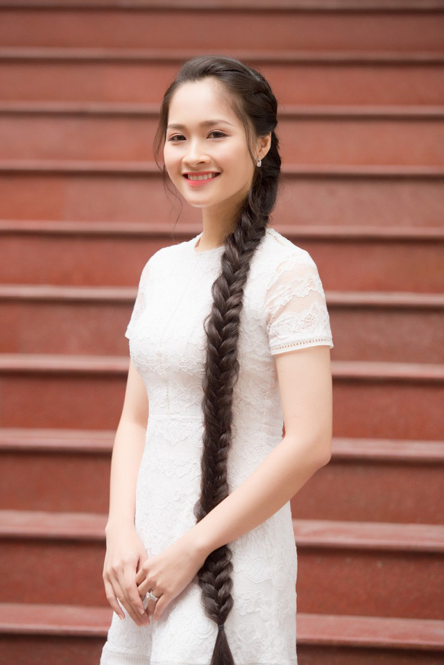 Những cô gái có mái tóc đẹp nhất Hoa hậu Việt Nam qua các mùa ảnh 17