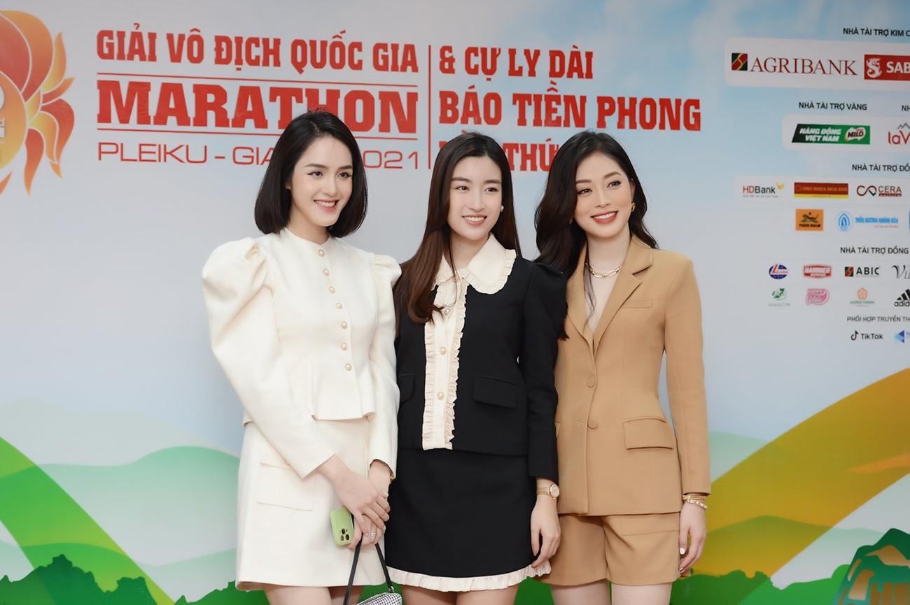 Hoa hậu Đỗ Mỹ Linh xinh đẹp rạng rỡ tại họp báo Tiền Phong Marathon 2021 ảnh 1