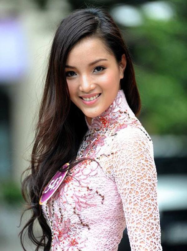 Hai người đẹp giành danh hiệu được yêu thích nhất của Hoa hậu Việt Nam là ai? ảnh 1