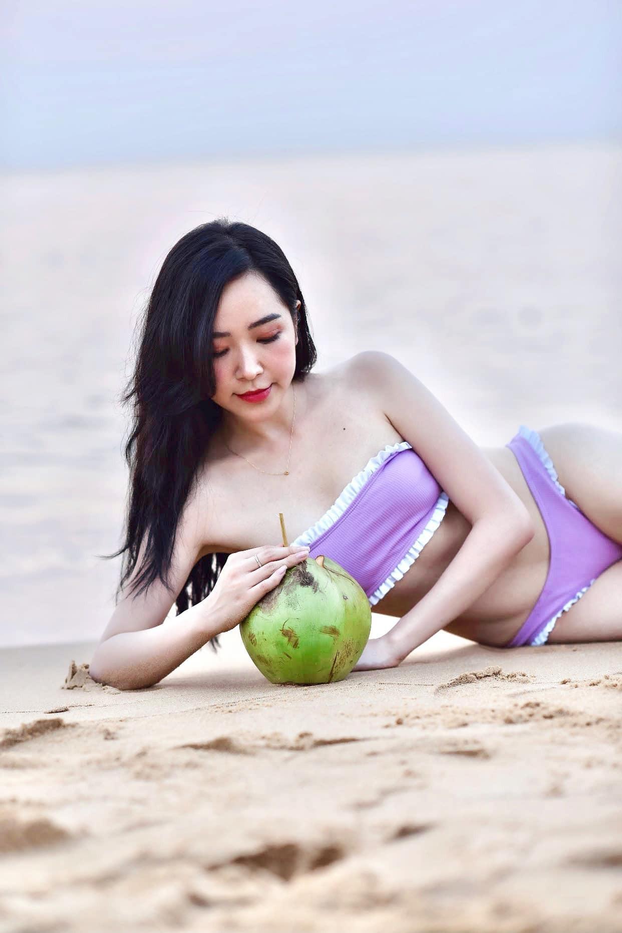 Ảnh bikini 'nóng rực' của nữ diễn viên 'Những cô gái trong thành phố' ảnh 2