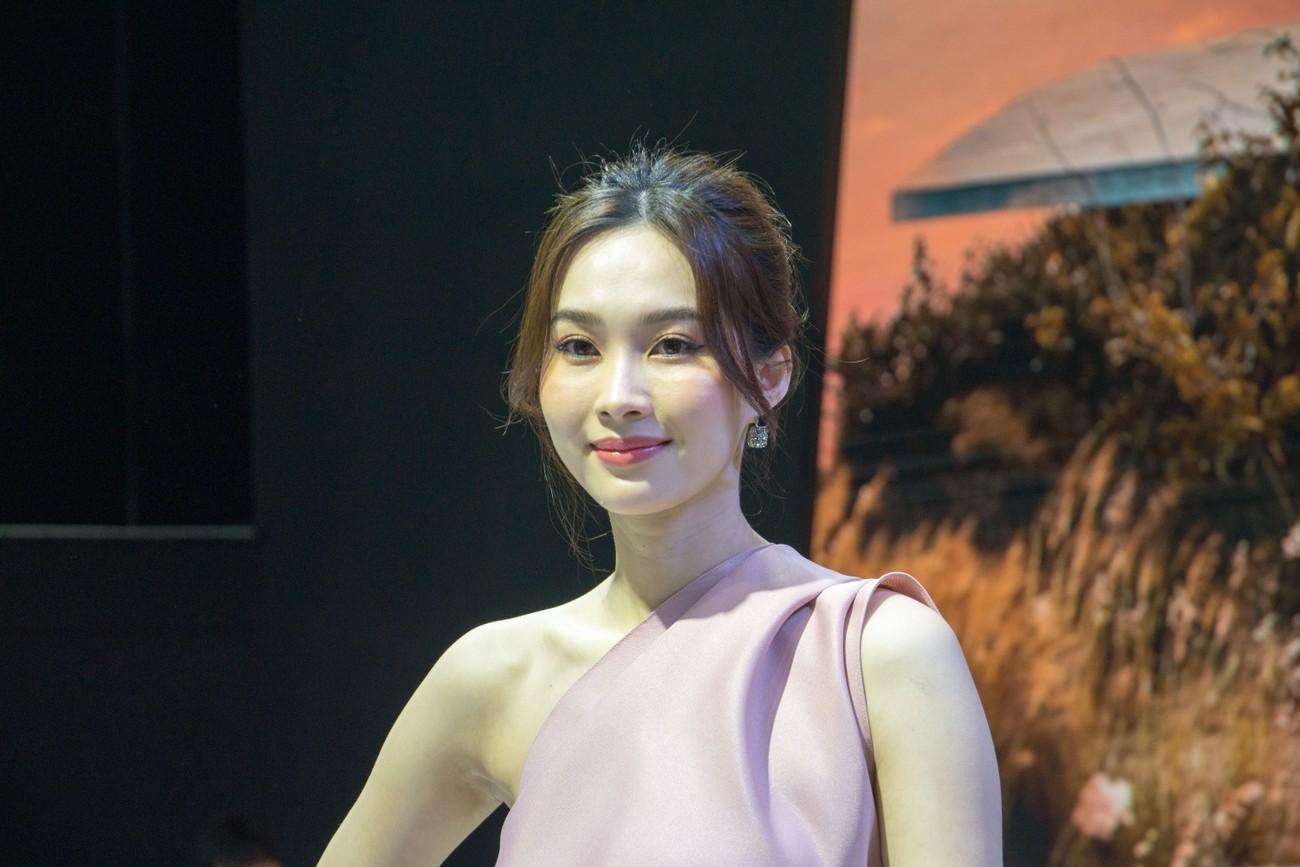 Dàn sao Việt xuất hiện lộng lẫy tại triển lãm VMS 2019 ảnh 3