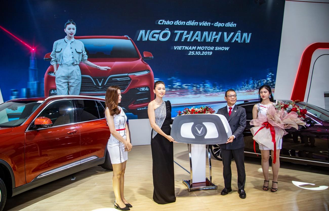 Dàn sao Việt xuất hiện lộng lẫy tại triển lãm VMS 2019 ảnh 10