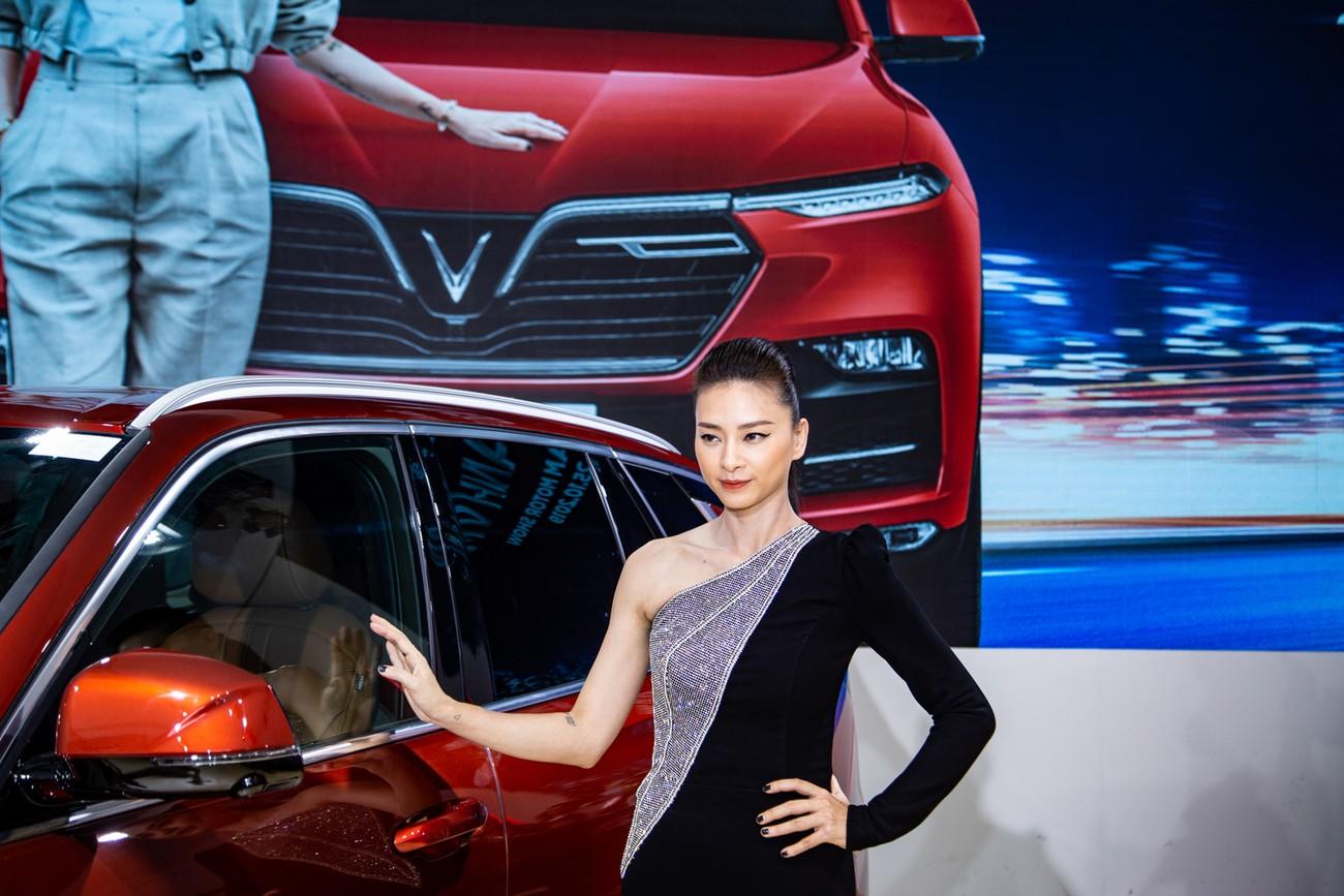 Dàn sao Việt xuất hiện lộng lẫy tại triển lãm VMS 2019 ảnh 8