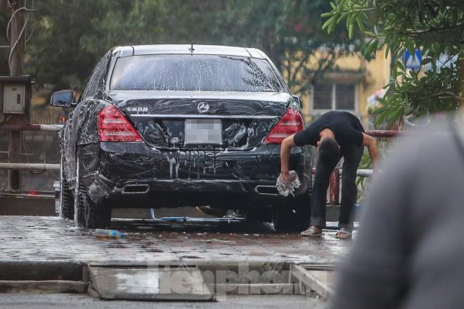 'Phố rửa xe' Hà Nội nhộn nhịp chờ đón Tết ảnh 12