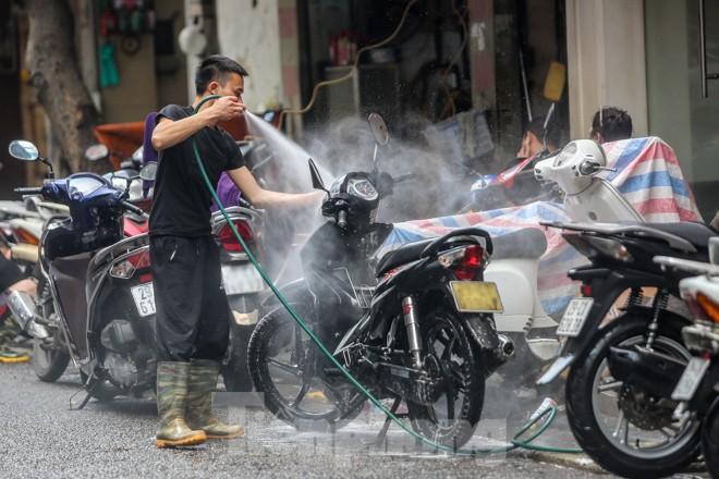 'Phố rửa xe' Hà Nội nhộn nhịp chờ đón Tết ảnh 3