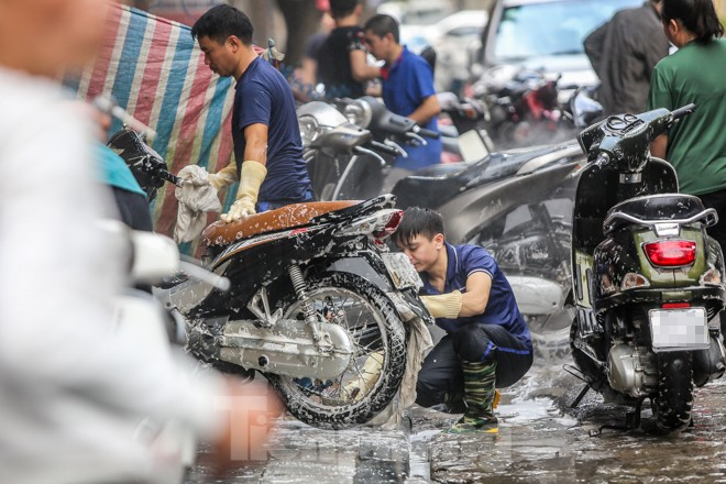 'Phố rửa xe' Hà Nội nhộn nhịp chờ đón Tết ảnh 8