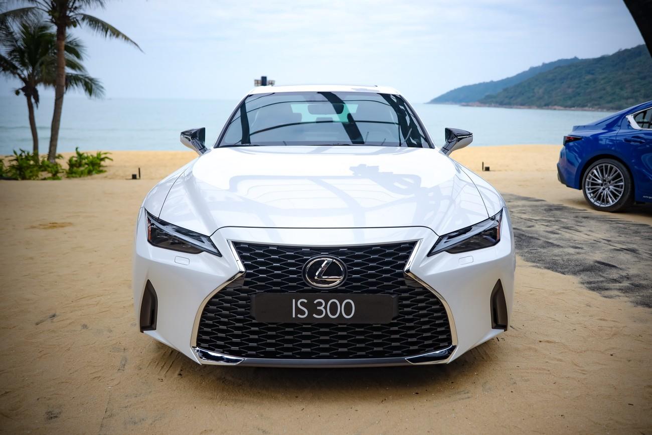 Hành trình chinh phục đèo Hải Vân cùng Lexus IS ảnh 8