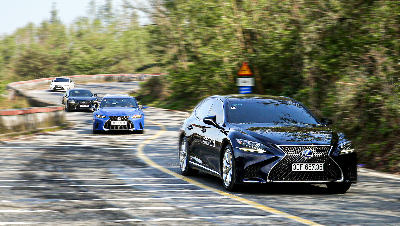 Hành trình chinh phục đèo Hải Vân cùng Lexus IS ảnh 3