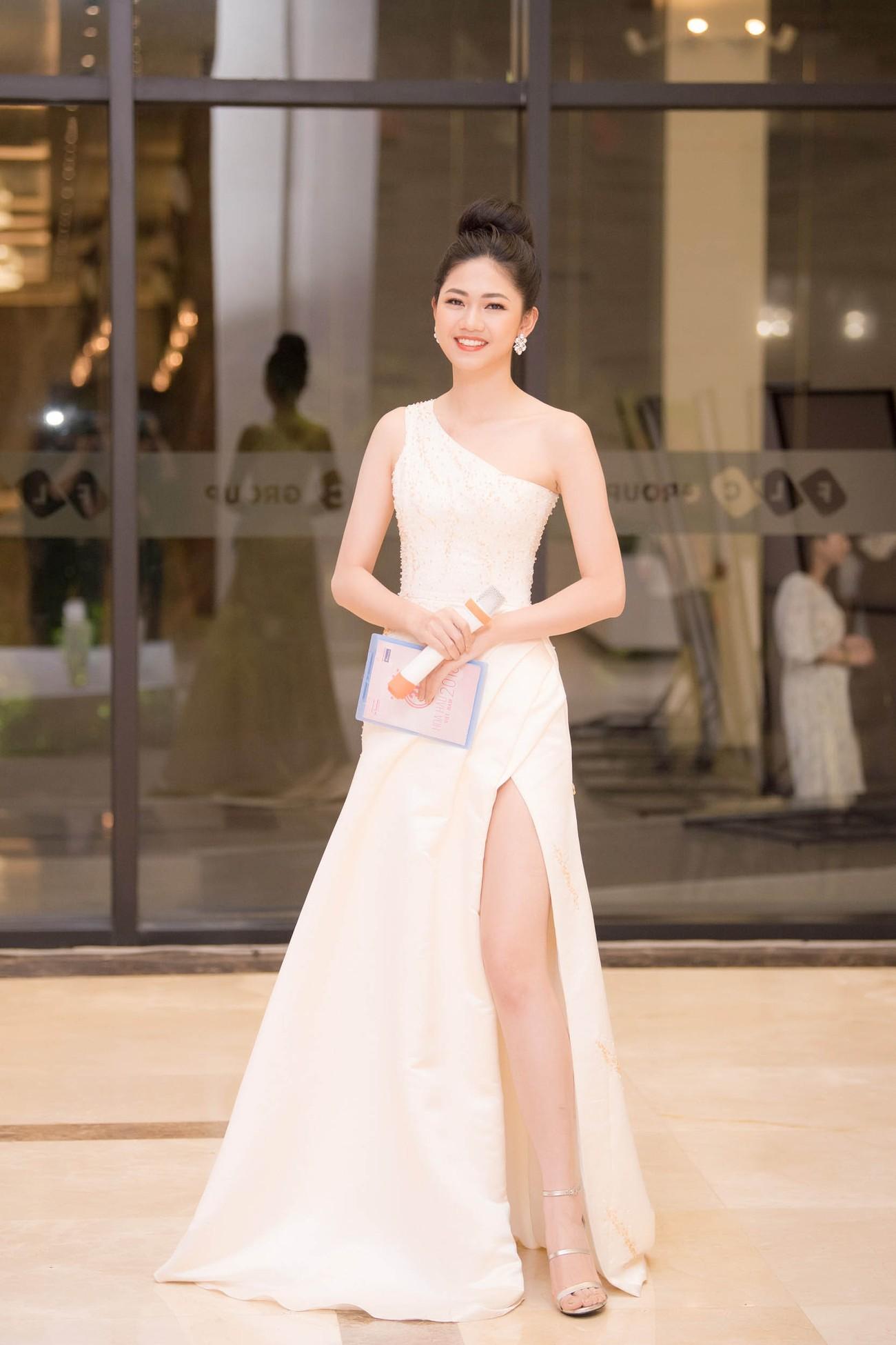 Dàn Hoa hậu, Á hậu lộng lẫy trên thảm đỏ Chung khảo HHVN phía Nam ảnh 3