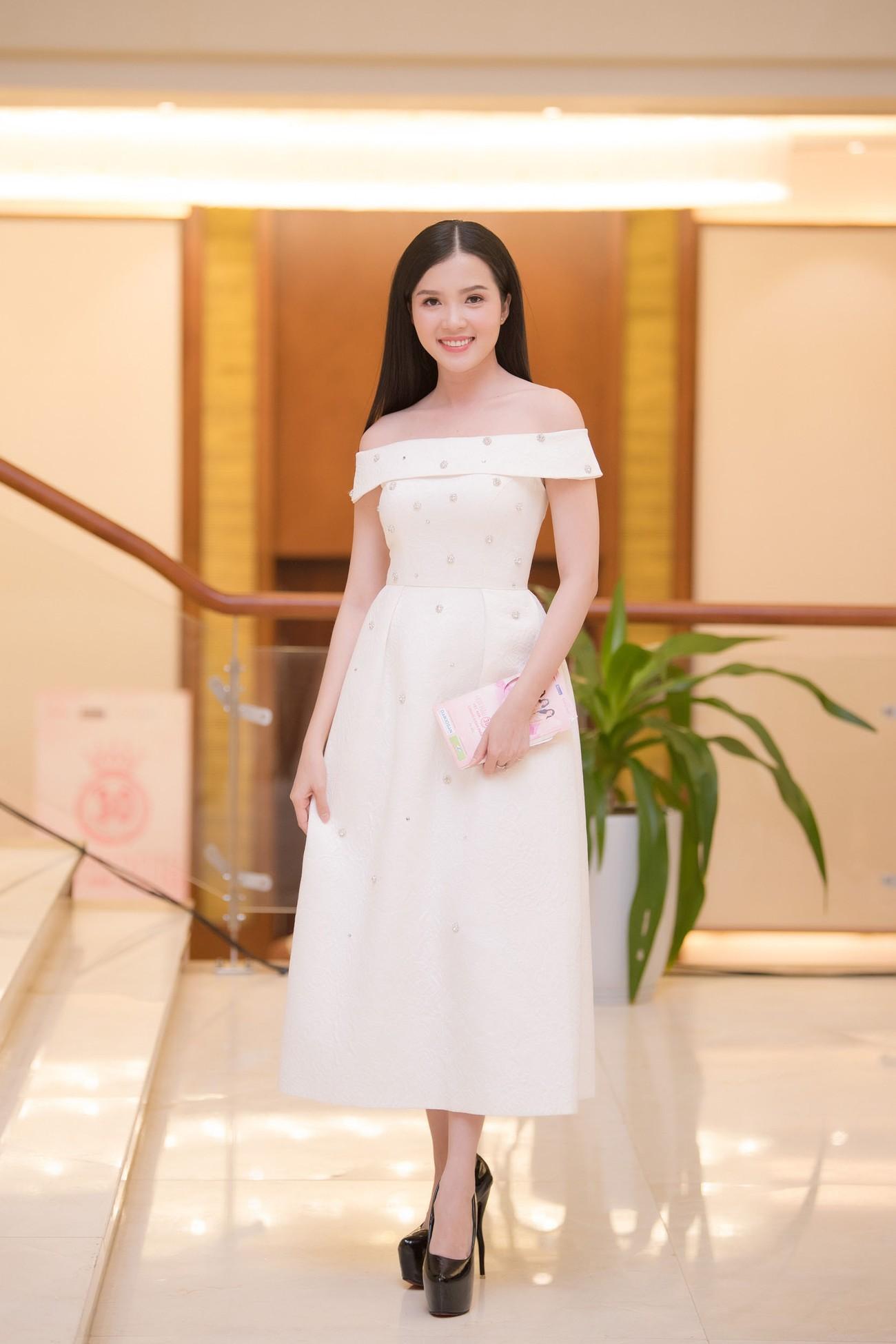Dàn Hoa hậu, Á hậu lộng lẫy trên thảm đỏ Chung khảo HHVN phía Nam ảnh 6