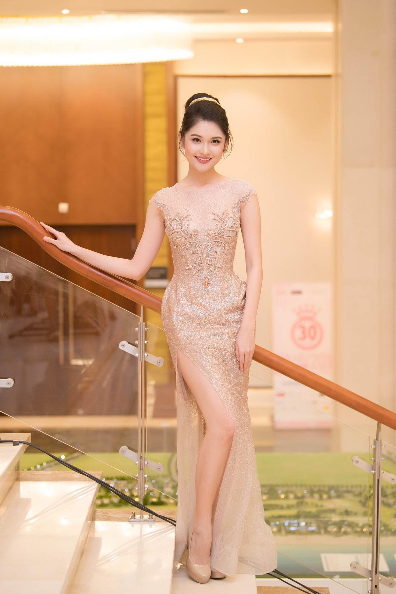 Dàn Hoa hậu, Á hậu lộng lẫy trên thảm đỏ Chung khảo HHVN phía Nam ảnh 4