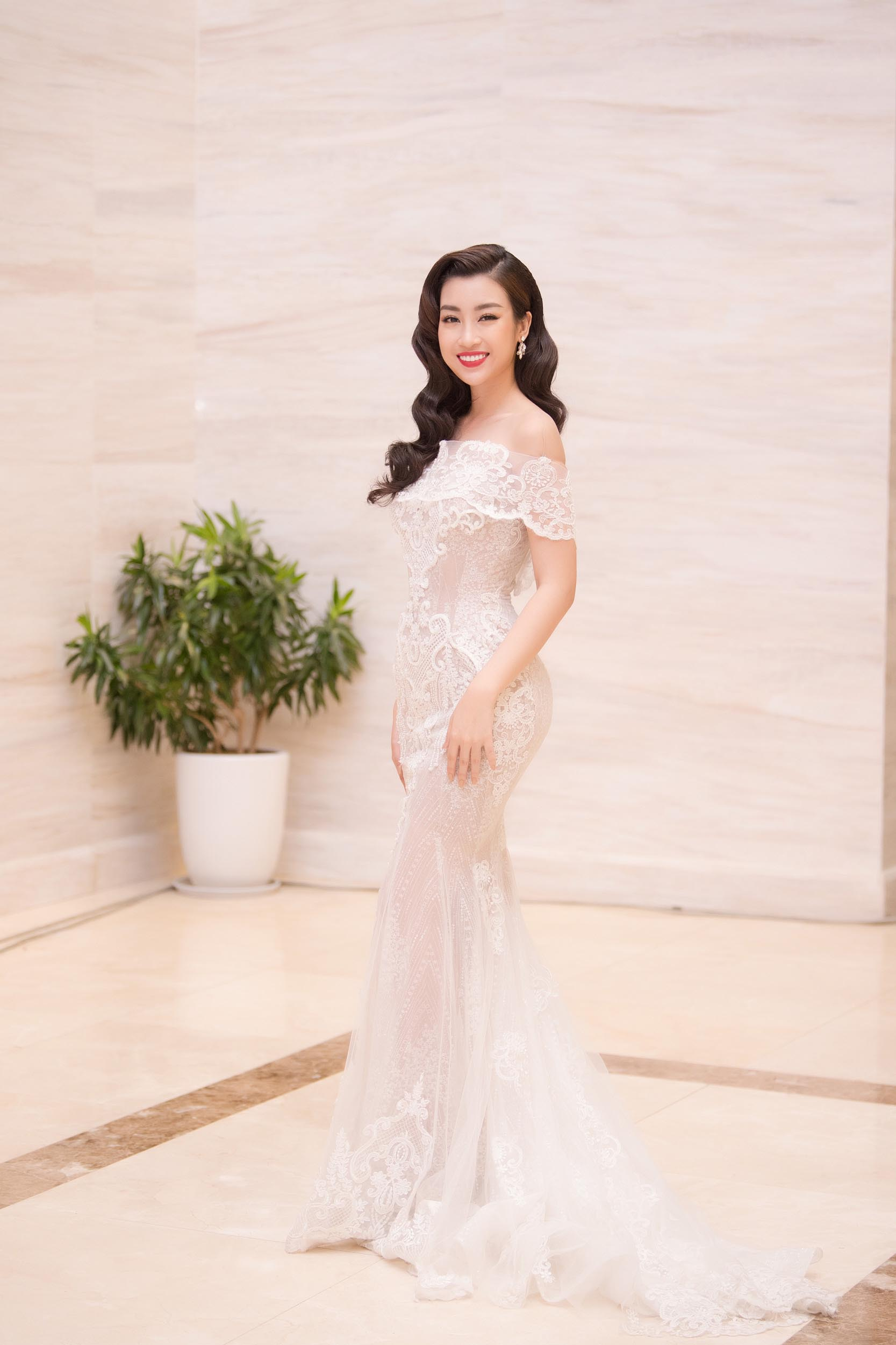 Dàn Hoa hậu, Á hậu lộng lẫy trên thảm đỏ Chung khảo HHVN phía Nam ảnh 1