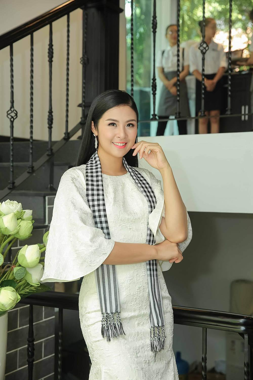 Á hậu Hoàng My bất ngờ tái xuất, hội ngộ dàn Hoa - Á hậu ở Sài Gòn ảnh 3