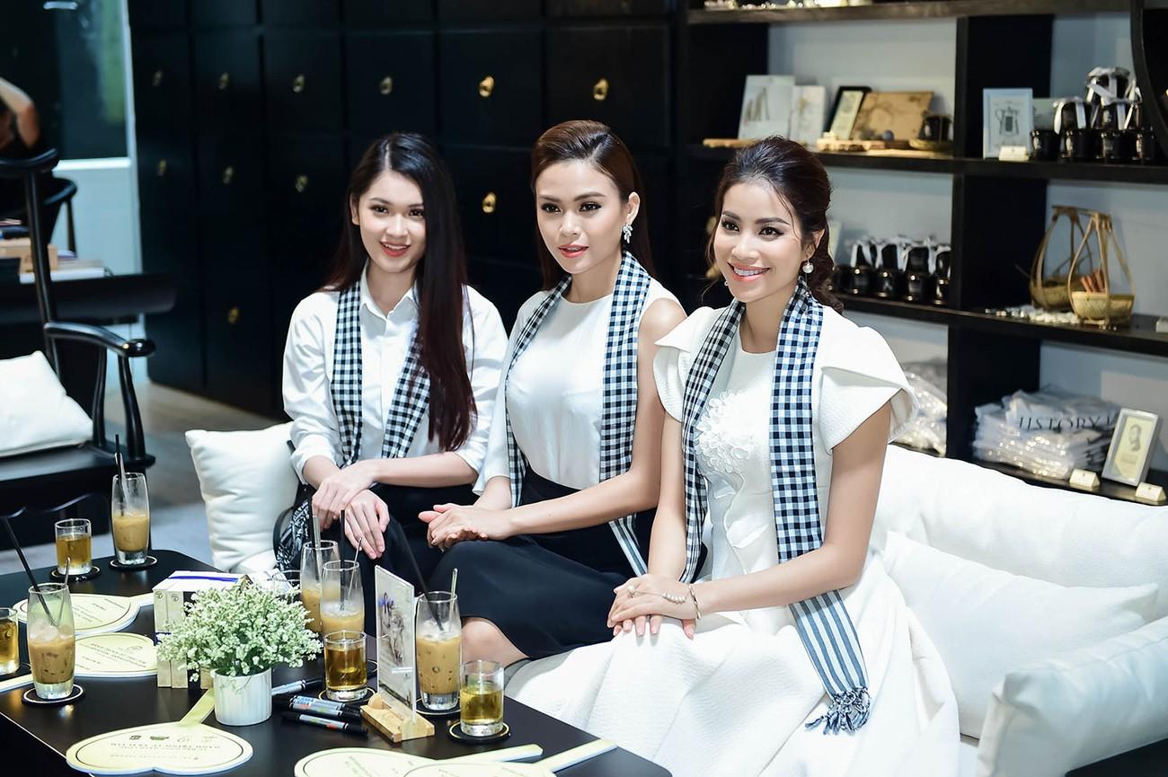 Á hậu Hoàng My bất ngờ tái xuất, hội ngộ dàn Hoa - Á hậu ở Sài Gòn ảnh 5