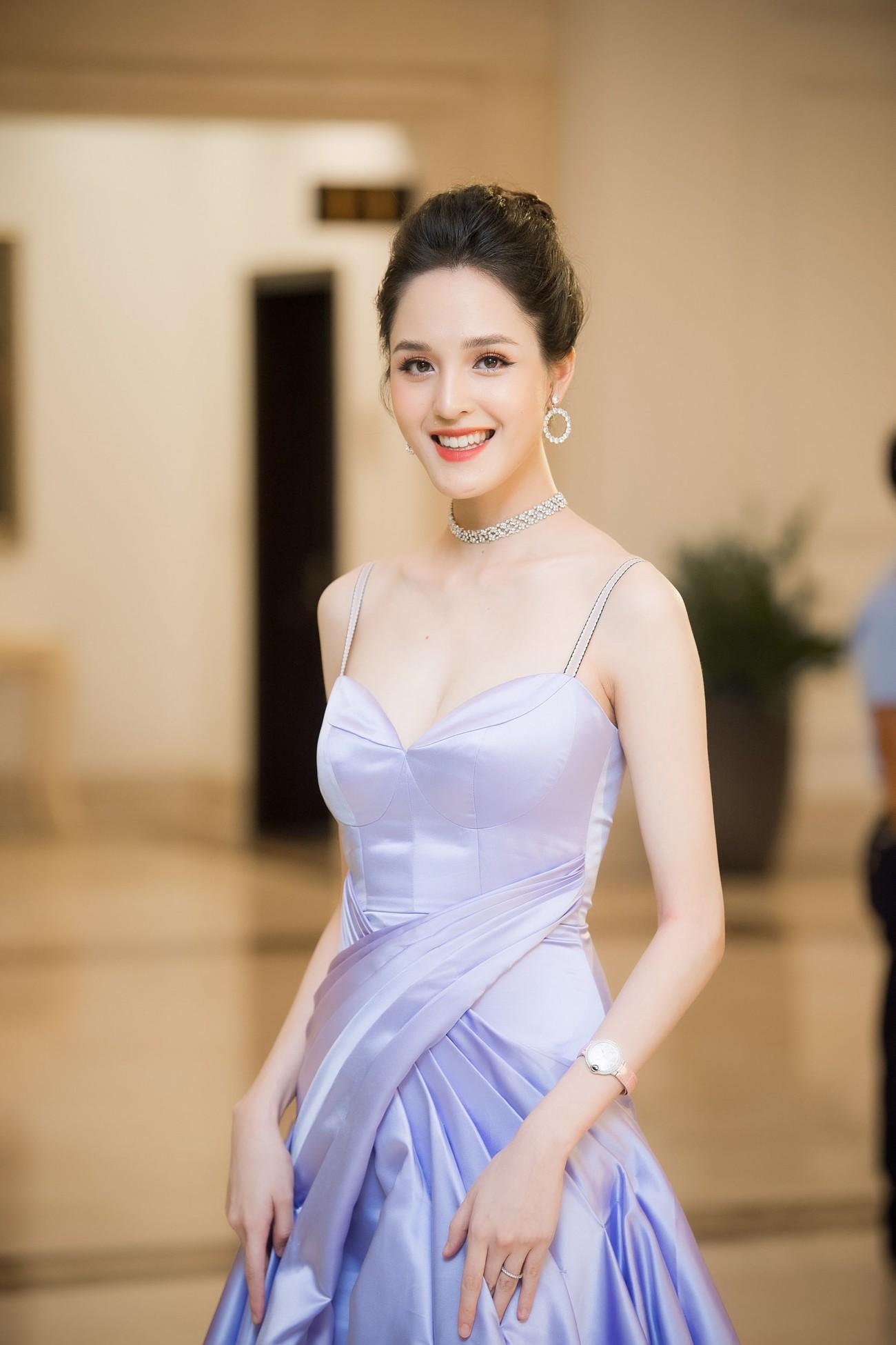 Hoa hậu Thu Thuỷ tái xuất, hội ngộ cùng dàn Hoa, Á hậu đình đám ảnh 4