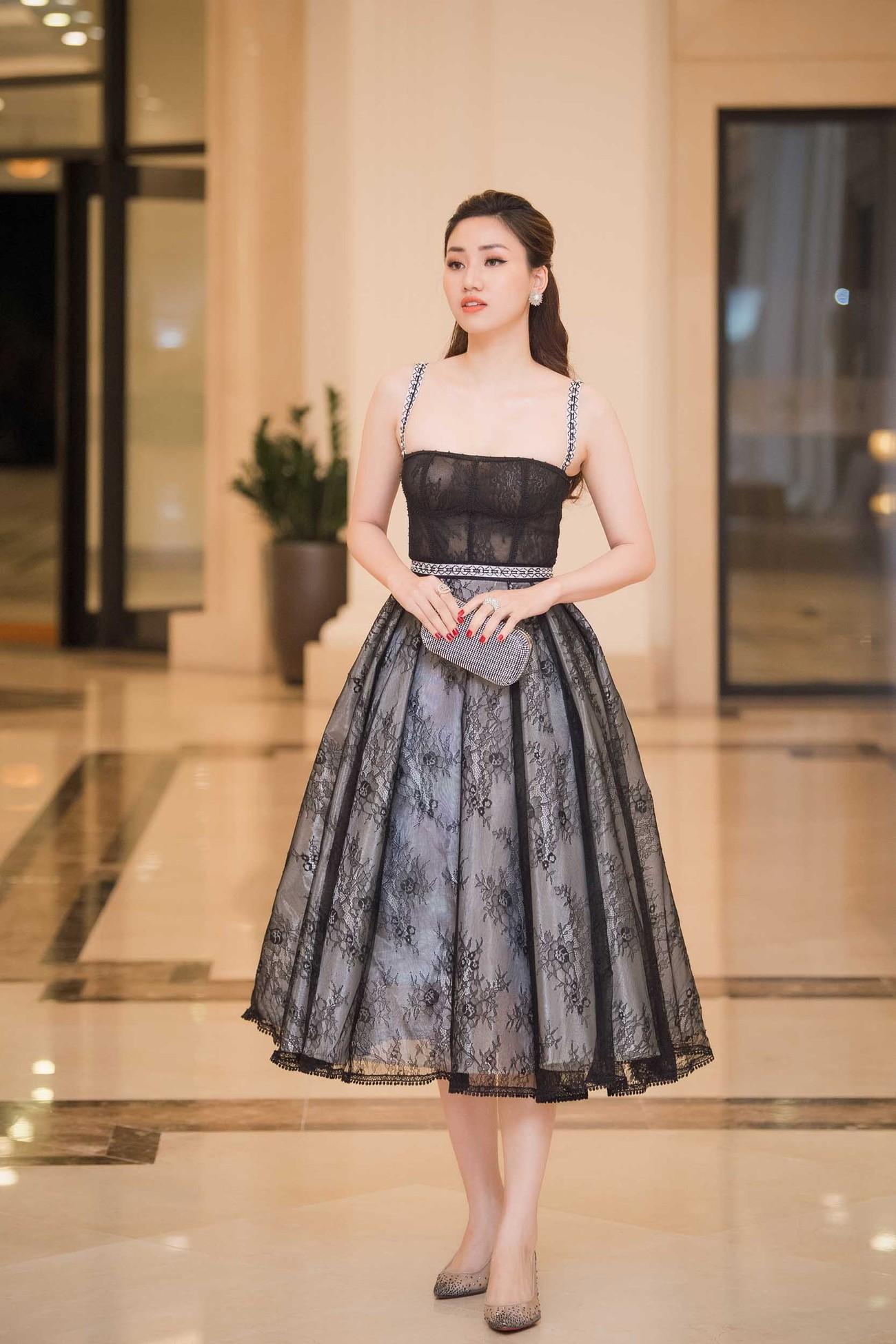 Hoa hậu Thu Thuỷ tái xuất, hội ngộ cùng dàn Hoa, Á hậu đình đám ảnh 6