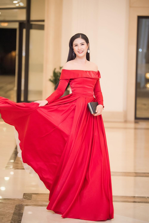 Hoa hậu Thu Thuỷ tái xuất, hội ngộ cùng dàn Hoa, Á hậu đình đám ảnh 10