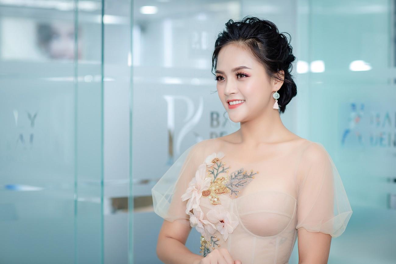 """""""Mi Sói"""" Thu Quỳnh mặc xuyên thấu sexy dự event cùng Noo Phước Thịnh ảnh 5"""