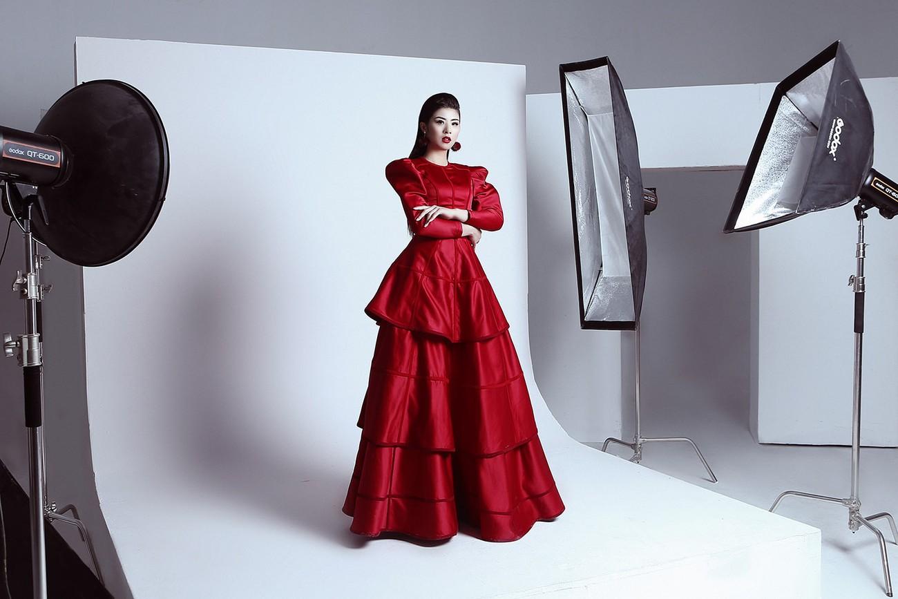 Á hậu Hoàng Anh ngày càng quyến rũ, 'đọ sắc' Hoa hậu Ngọc Hân ảnh 3
