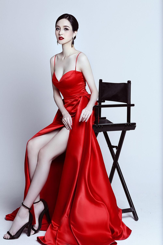 Á hậu Hoàng Anh ngày càng quyến rũ, 'đọ sắc' Hoa hậu Ngọc Hân ảnh 5