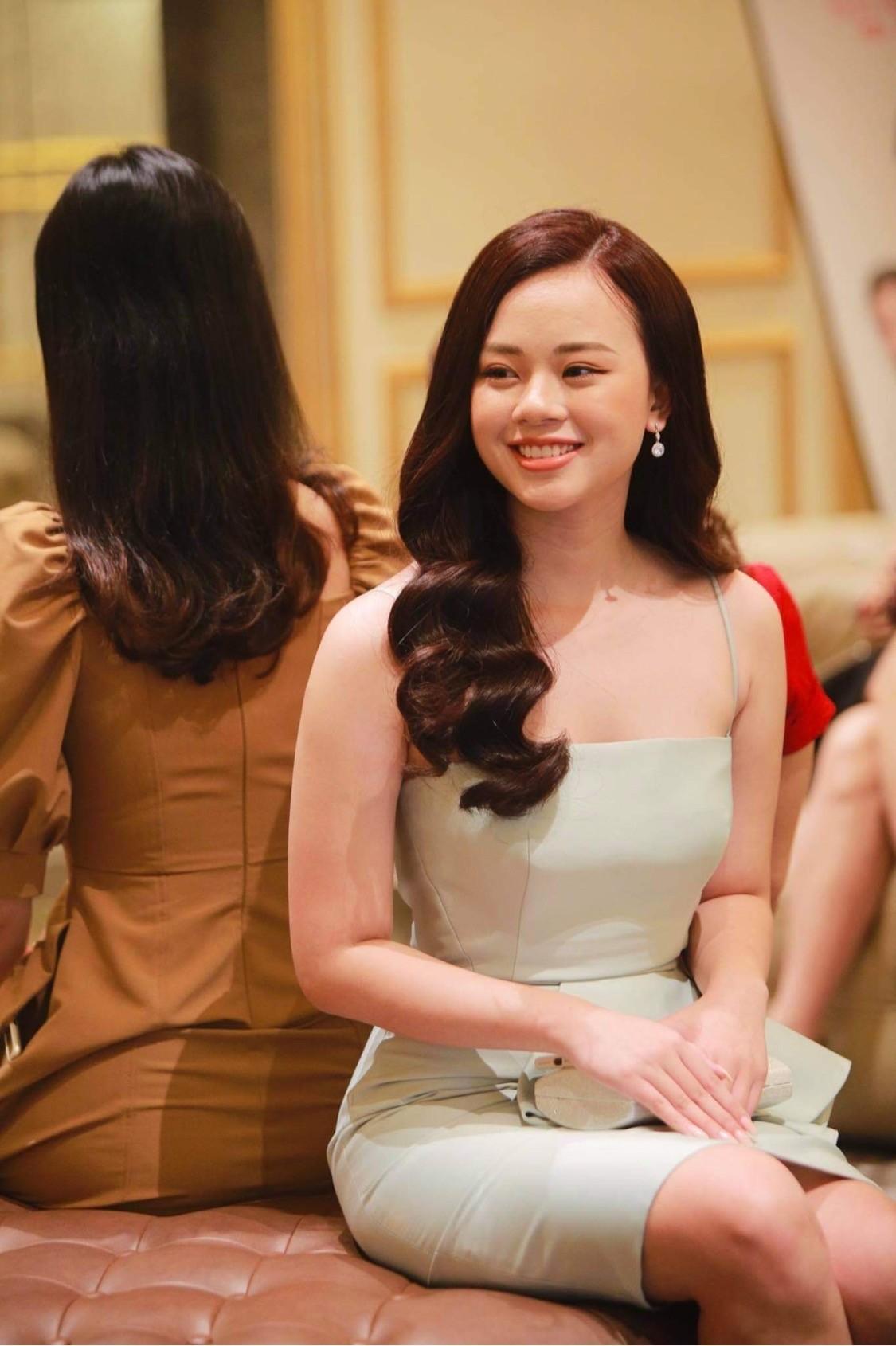 Thí sinh được đo thân nhiệt, sát khuẩn trước sơ khảo phía Bắc Hoa hậu Việt Nam ảnh 5