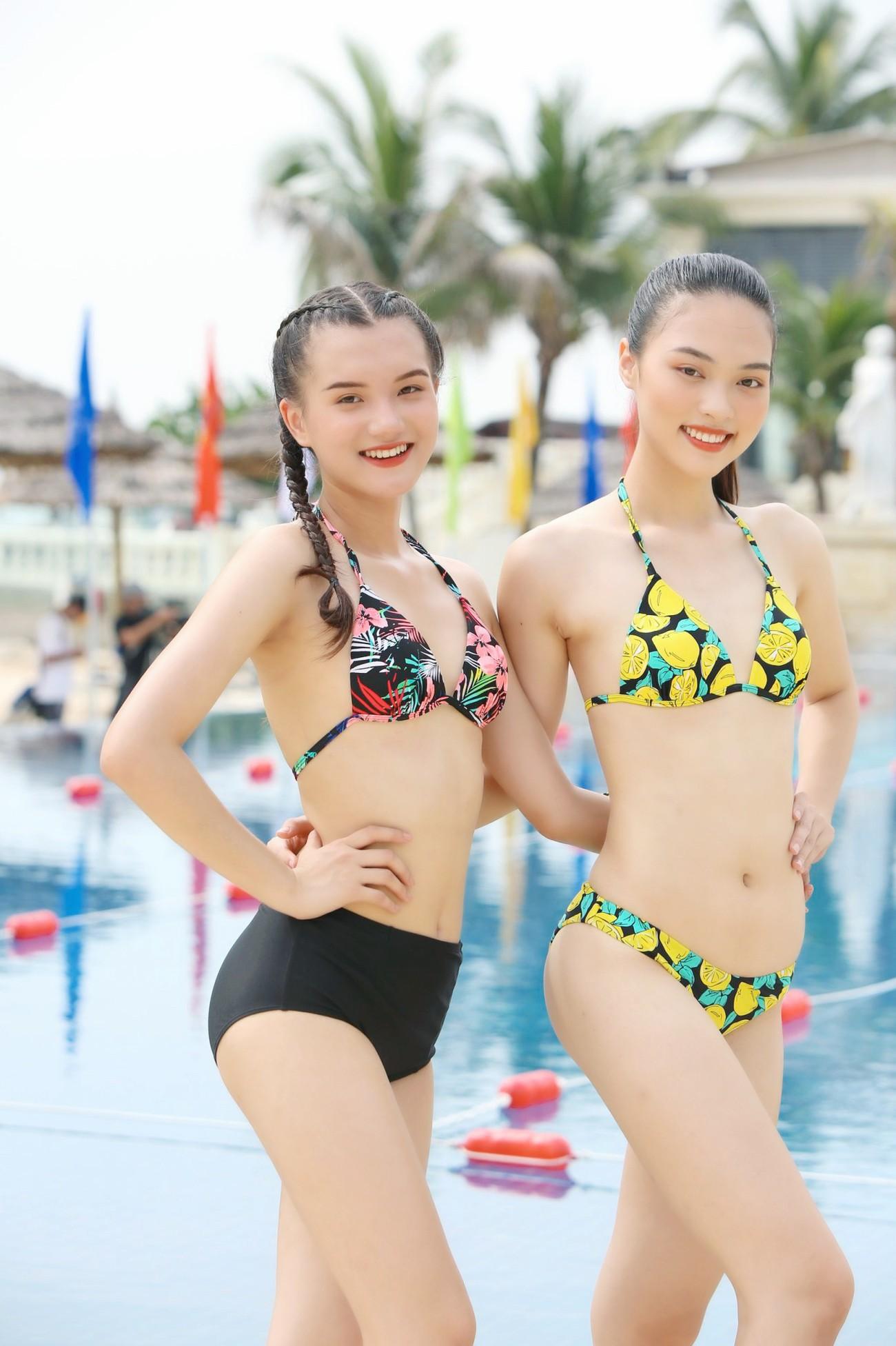 Thí sinh HHVN 2020 nóng bỏng với bikini trong phần thi bơi của 'Người đẹp Thể thao' ảnh 1