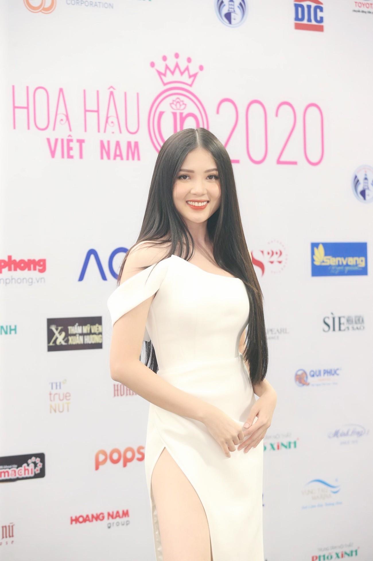 Dàn Hoa hậu, Á hậu khoe dáng nóng bỏng tại họp báo Chung kết toàn quốc HHVN 2020 ảnh 10