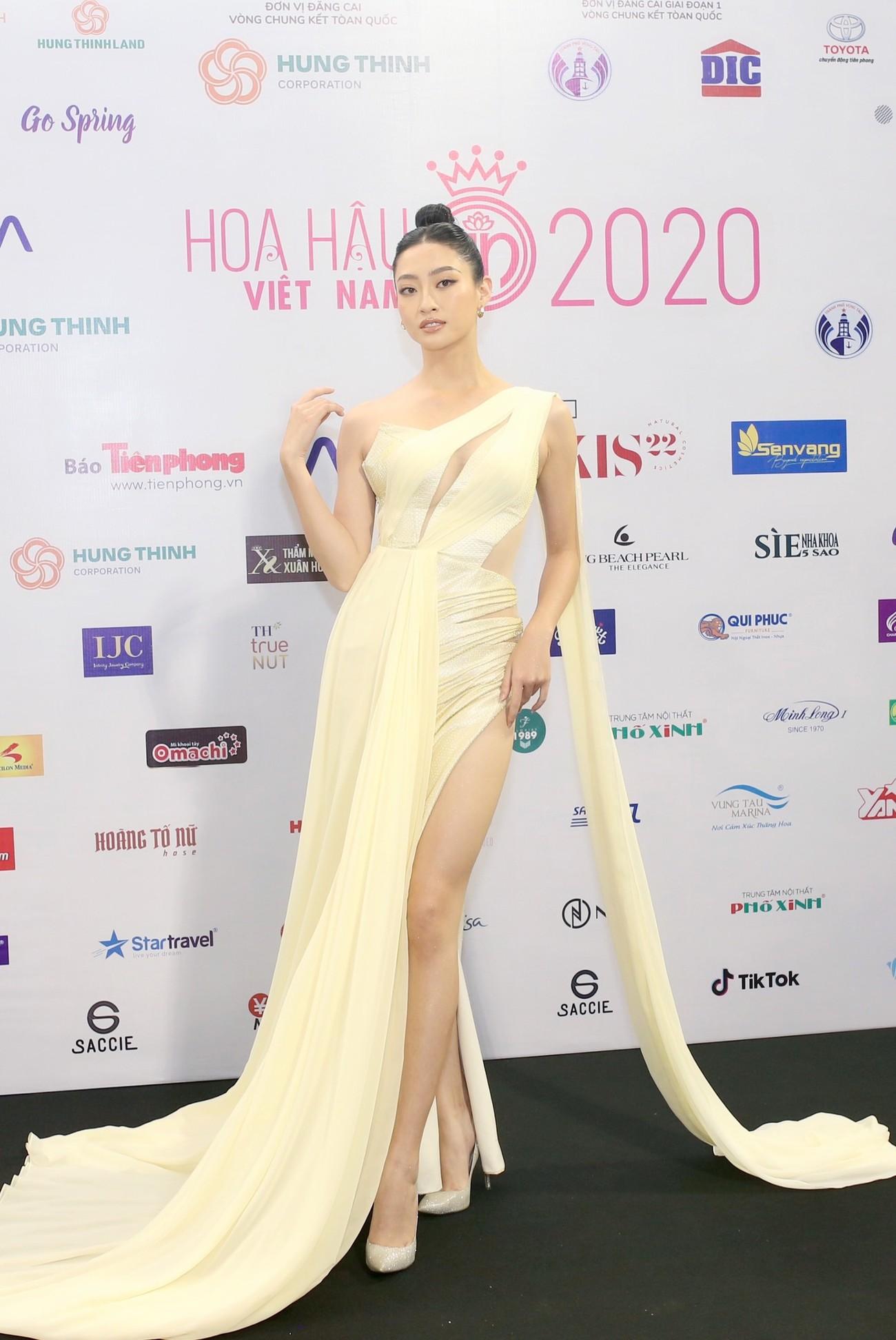 Dàn Hoa hậu, Á hậu khoe dáng nóng bỏng tại họp báo Chung kết toàn quốc HHVN 2020 ảnh 4