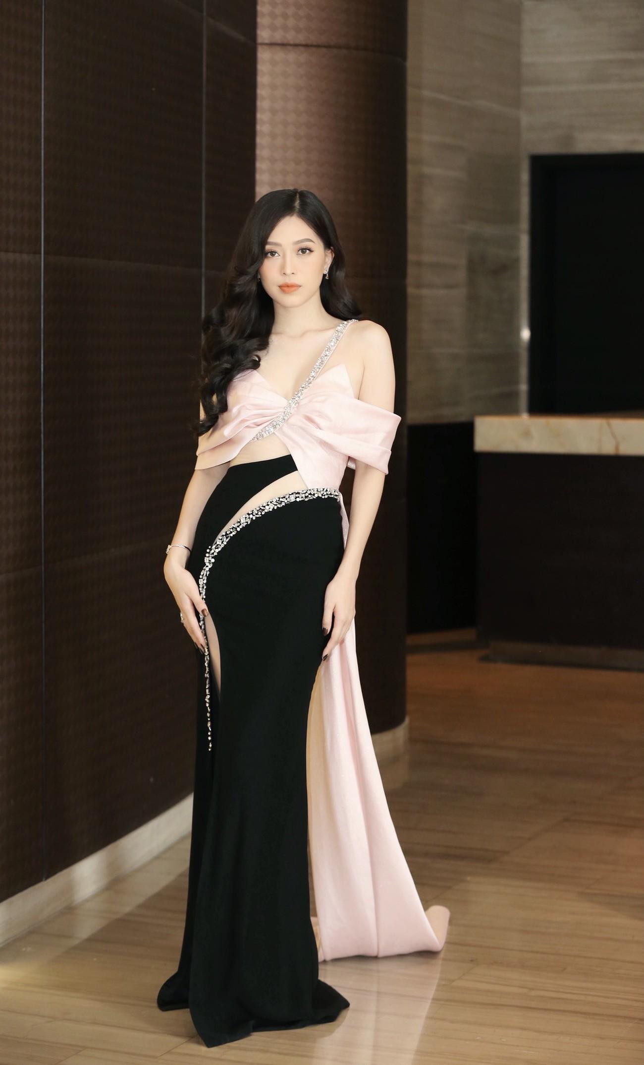 Dàn Hoa hậu, Á hậu khoe dáng nóng bỏng tại họp báo Chung kết toàn quốc HHVN 2020 ảnh 5