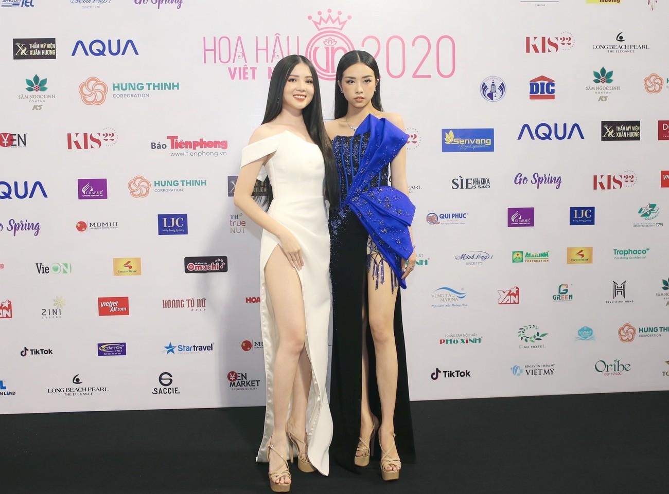 Dàn Hoa hậu, Á hậu khoe dáng nóng bỏng tại họp báo Chung kết toàn quốc HHVN 2020 ảnh 13