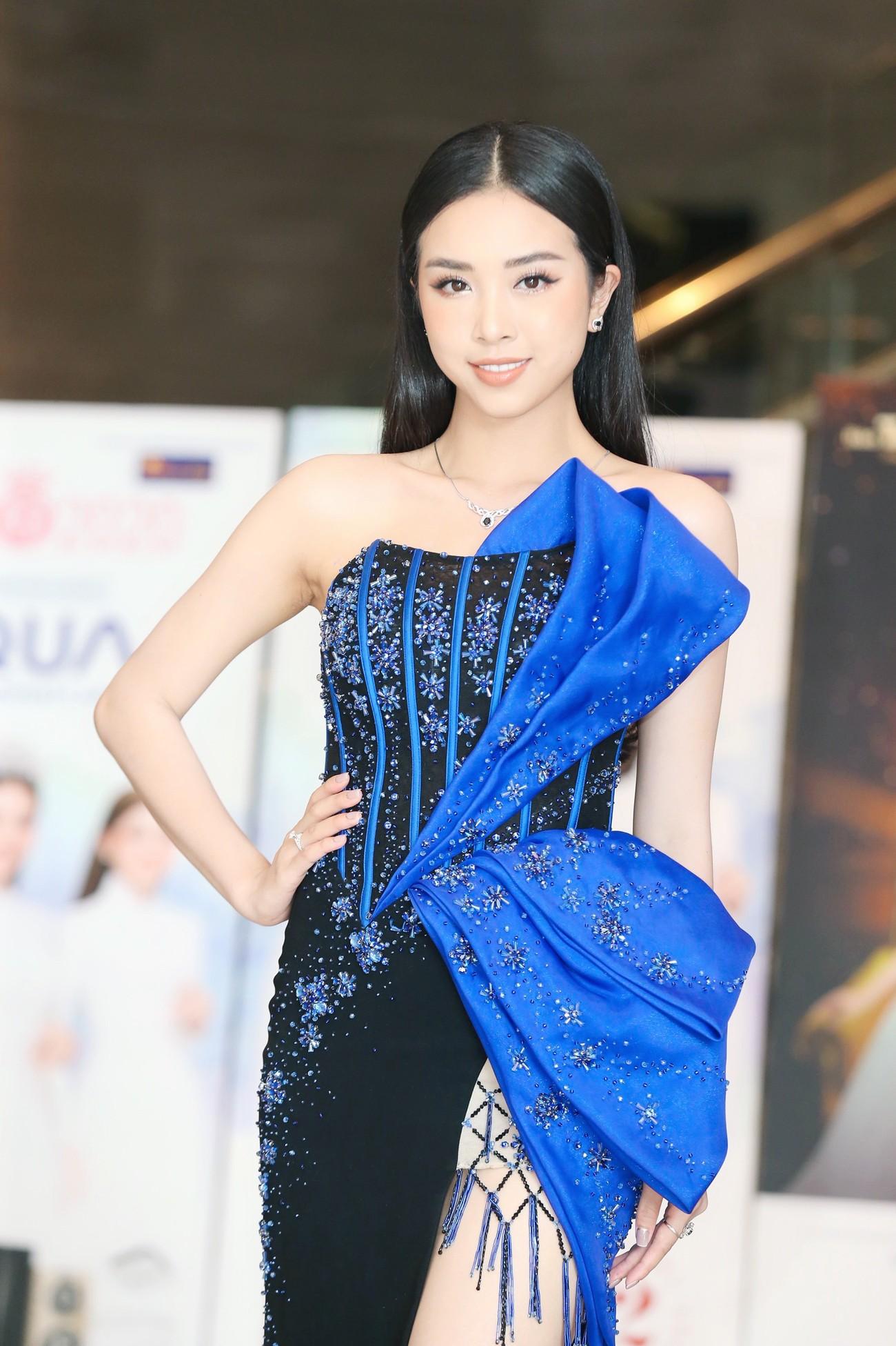 Dàn Hoa hậu, Á hậu khoe dáng nóng bỏng tại họp báo Chung kết toàn quốc HHVN 2020 ảnh 7
