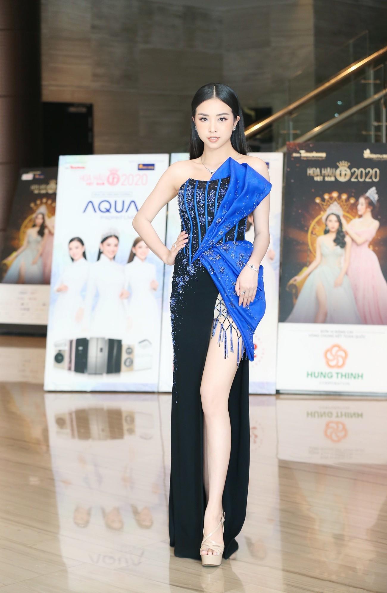 Dàn Hoa hậu, Á hậu khoe dáng nóng bỏng tại họp báo Chung kết toàn quốc HHVN 2020 ảnh 8