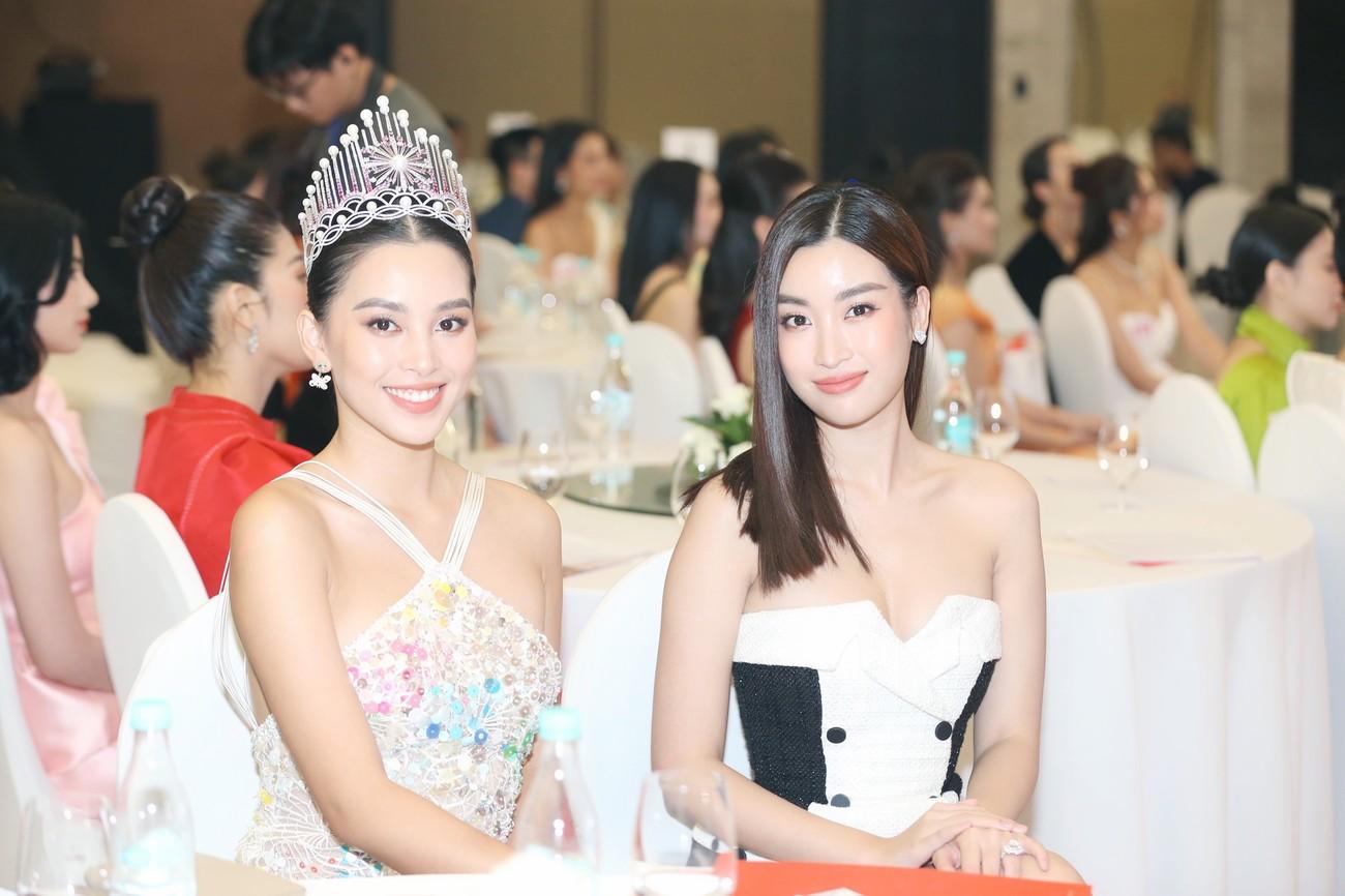 Những vật phẩm đăng quang độc đáo của tân Hoa hậu Việt Nam 2020 ảnh 2