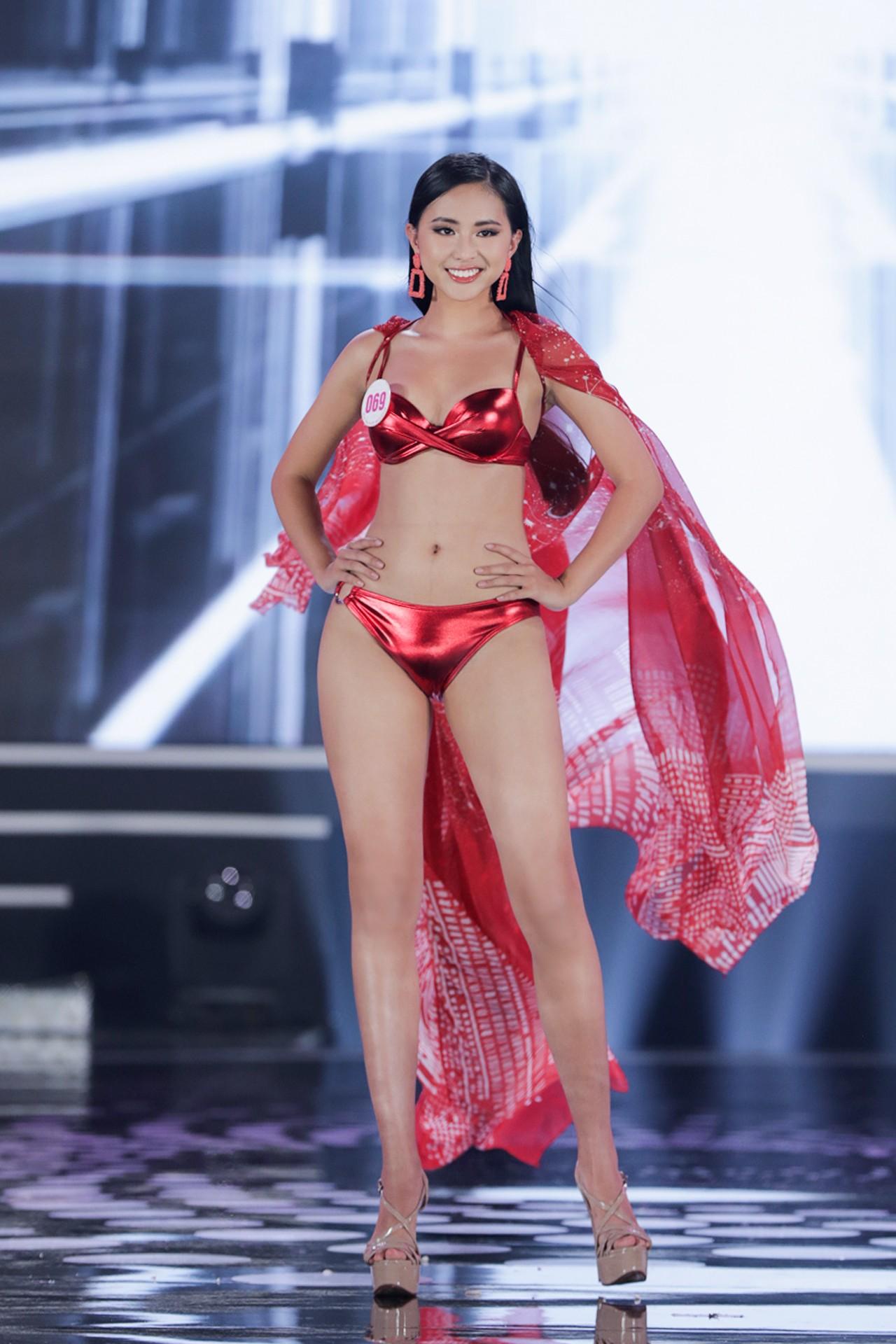 Ngắm đường cong 'bỏng mắt' của top 22 thí sinh HHVN 2020 trong màn trình diễn bikini ảnh 5