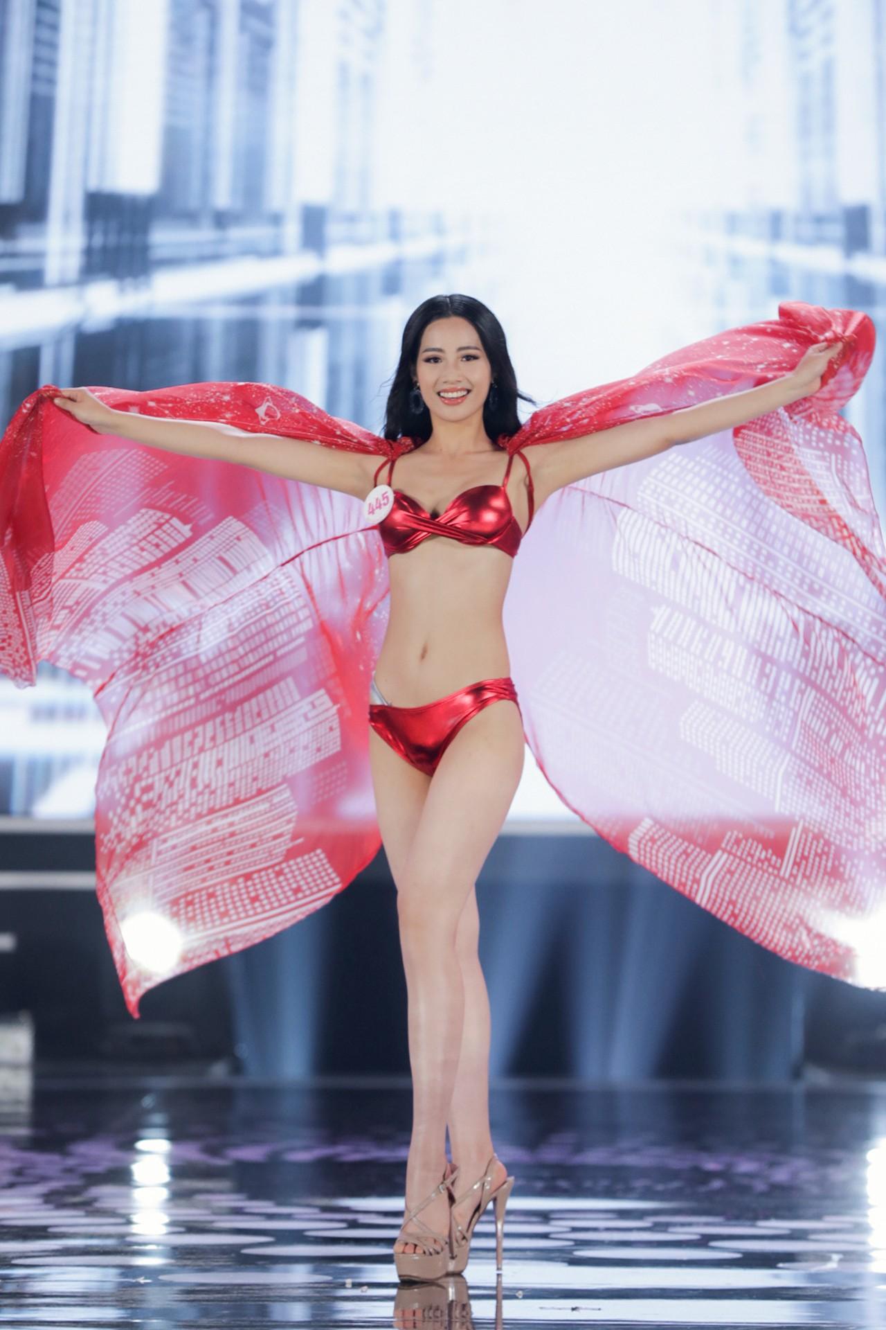 Ngắm đường cong 'bỏng mắt' của top 22 thí sinh HHVN 2020 trong màn trình diễn bikini ảnh 21