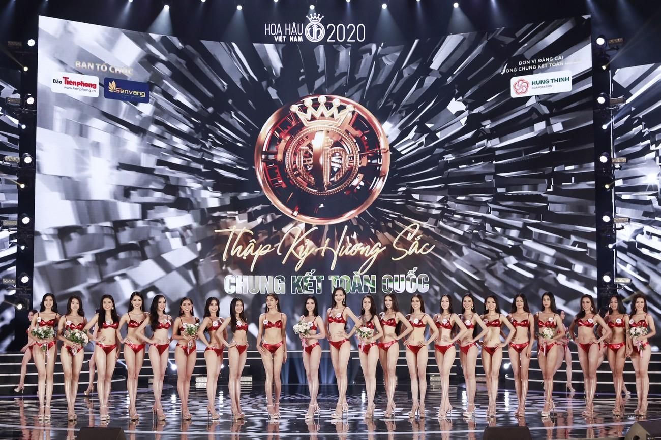 Ngắm đường cong 'bỏng mắt' của top 22 thí sinh HHVN 2020 trong màn trình diễn bikini ảnh 1