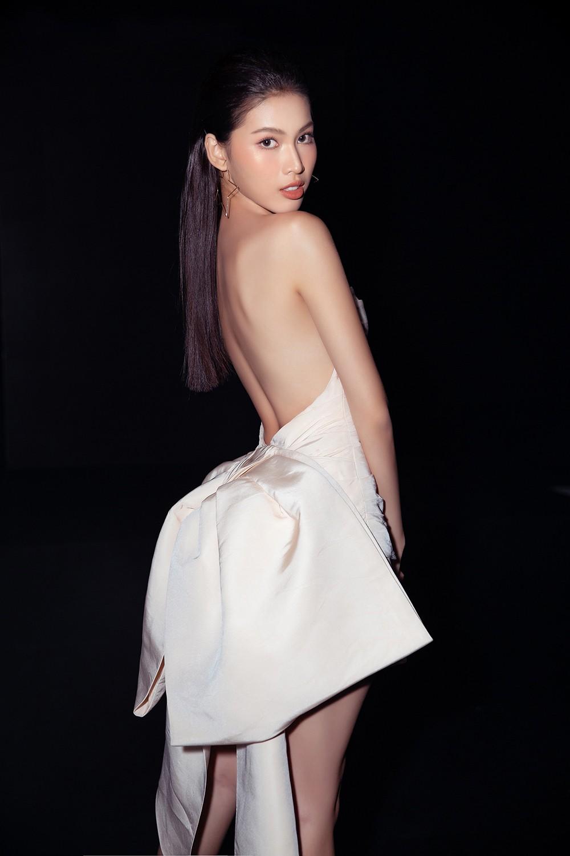 Á hậu Phương Anh lột xác, Á hậu Ngọc Thảo khoe lưng trần nóng bỏng trên thảm đỏ thời trang ảnh 5