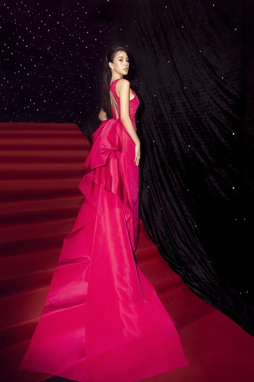 Á hậu Phương Anh lột xác, Á hậu Ngọc Thảo khoe lưng trần nóng bỏng trên thảm đỏ thời trang ảnh 8