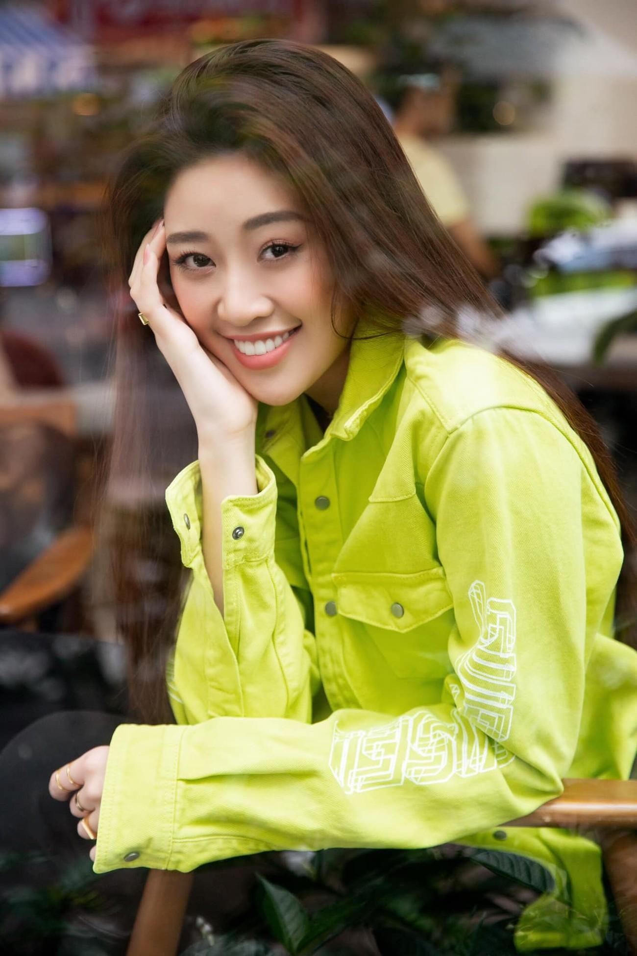 Hoa hậu Thuỳ Dung tái xuất xinh đẹp, Lương Thuỳ Linh diện áo dài đính kết lạ mắt ảnh 12