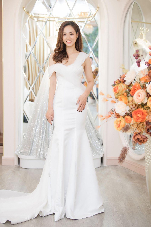 Vợ sắp cưới kém 15 tuổi của NSND Công Lý xinh đẹp lộng lẫy khi mặc váy cô dâu ảnh 2