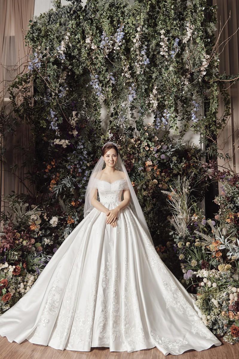 Vợ sắp cưới kém 15 tuổi của NSND Công Lý xinh đẹp lộng lẫy khi mặc váy cô dâu ảnh 6