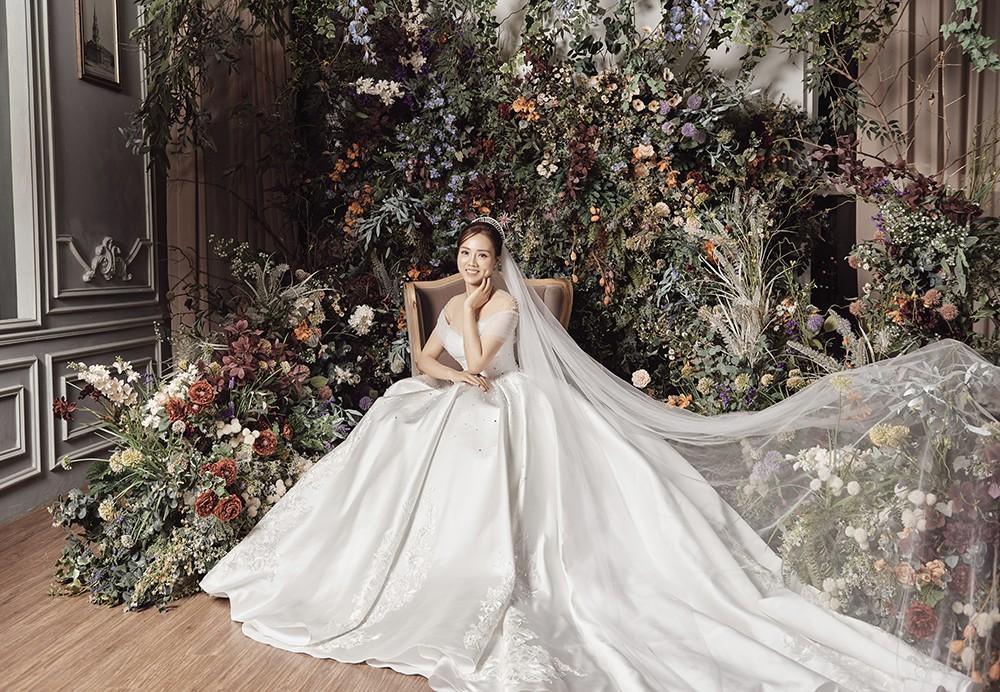 Vợ sắp cưới kém 15 tuổi của NSND Công Lý xinh đẹp lộng lẫy khi mặc váy cô dâu ảnh 5